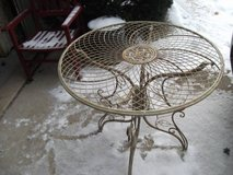 ALL METAL TABLE in Tinley Park, Illinois