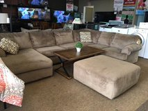 JESSA PLACE SECTIONAL W/OTTOMAN in Schofield Barracks, Hawaii