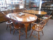 Comfortable Table and Chair (s) in Elgin, Illinois