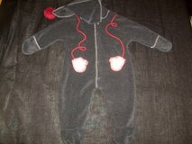 Old Navy Charcoal Grey w/ Attached Mittens Fleece Suit 3-6M in Tacoma, Washington