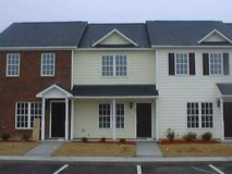Great Central Location. Lawn Maintenance & Trash Included. in Camp Lejeune, North Carolina
