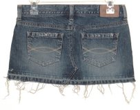 Abercrombie & Fitch Fringed Frayed Denim Jean Mini Skirt Womens 2 Measures 29 in Chicago, Illinois