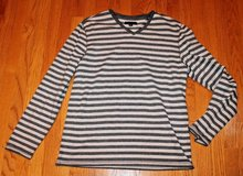 Banana Republic Gray Striped V-Neck Heavyweight Cotton/Spandex Top, Men's Large in Bolingbrook, Illinois