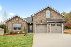 105 Rossview Place in Fort Campbell, Kentucky