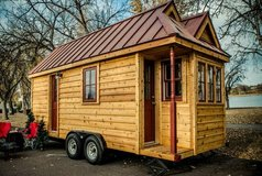 TINY HOUSE parking on 11 acre farm,near NISQUALLY casino, Yelm School. in Fort Lewis, Washington
