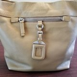 authentic prada vit. daino semitracolla hobo shoulder bag w/ coa excellent cond. in Glendale Heights, Illinois