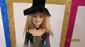 2005 MATTEL BARBIE DOLL HALLOWEEN STAR BLONDE BLUE EYES WITCH HAT SEWED ON in Macon, Georgia