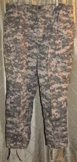 Army Issue ACU digital combat uniform trouser pants size x-large NSN USA new in Fort Lewis, Washington