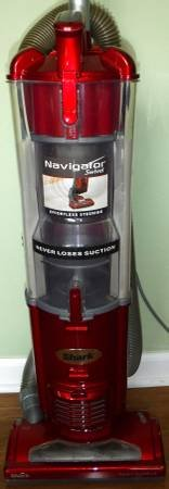 Like New! Shark Navigator Swivel Upright Bagless Vacuum Cleaner in Orland Park, Illinois