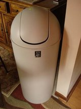 UMBRE JUMBO GARBAGE CAN (never used) in Joliet, Illinois