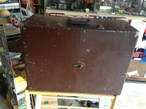 Vintage travel vanity case suitcase in Fort Campbell, Kentucky