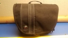 Tamrac 3445 DSLR Camera / Ipad / Tablet Carry Bag in Chicago, Illinois
