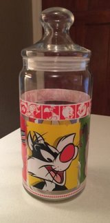 1999 Looney Tunes Merrie Melodies Large Glass Cookie Candy Jar Warner Brothers in Morris, Illinois