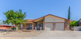6729 Paseo Redondo in Fort Bliss, Texas