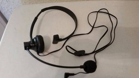 New Uniden HS-910 headset for telephones in Camp Pendleton, California