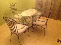Dining room set in Tampa, Florida