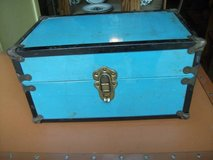 massive reduction xpost1940-50S DOLL STORAGE CASE in Tinley Park, Illinois