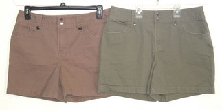Lot of 2 Sonoma Snap Waist Snap Flap Pckt Shorts Women 12 Coco Brown Olive Green in Yorkville, Illinois