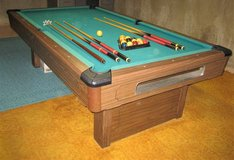 Brunswick Bristol 8' Slate Pool Table in Naperville, Illinois