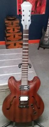 Epiphone Dot Studio w/ Seymour Duncan Hollow Body Electric Guitar in Lockport, Illinois