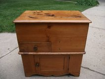 ANTIQUE DRY SINK COMMODE in Tinley Park, Illinois