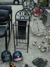 DECORATIVE WROUGHT IRON SIDE TABLE in Aurora, Illinois