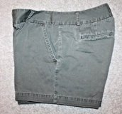 J.Crew Low Fit Weathered Army Green City Shorts, Flat Front, 5' Inseam, Size 8 in Bolingbrook, Illinois