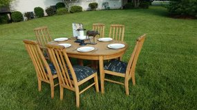 Vintage French Country Table & 6 Chairs in Aurora, Illinois