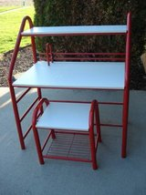 CHILD'S DESK & CHAIR - EXCELLENT CONDITION in Chicago, Illinois