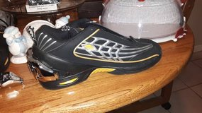 Men's Size 12 Heavy Air Workout Shoes in Fairfield, California