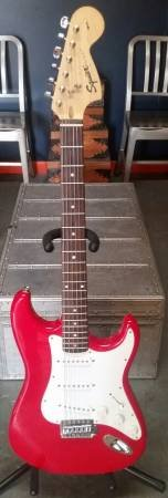 Squier Affinity Strat Electric Guitar Red in Lockport, Illinois