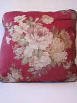 6 Decorative Red Flowered Pillows in Algonquin, Illinois