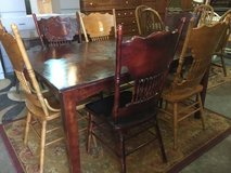 Dining Table and Six Chairs - Delivery Available in Tacoma, Washington