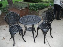 METAL BRISTOL TABLE AND 2 CHAIRS in Bolingbrook, Illinois