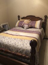 $reduced$ Full or queen bed and optional comforter set in Kingwood, Texas