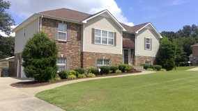 Gorgeous home in a great location in Fort Campbell, Kentucky