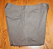 "Tommy Bahama ""Relax"" Khaki Green Ellery Fit City Shorts, 5 inch Inseam, Sz 0 in Plainfield, Illinois"