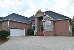 2500 sq ft on one level! in Fort Campbell, Kentucky