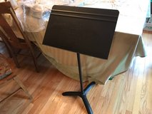 Music Stand Manhasset in Glendale Heights, Illinois