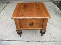 ROM WEBBER ALL WOOD END TABLE in Bolingbrook, Illinois