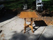 HARD WOOD SQUARE TABLE in Tinley Park, Illinois
