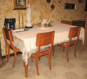 Vintage Retro Mid-Century Modern - Dining Room Table & 4 Chairs in Joliet, Illinois