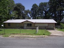 1105 Spruce Paradise in the City!! in Leesville, Louisiana
