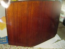 Antique Dining Room Table and Six Chairs in Bolingbrook, Illinois