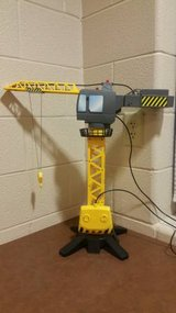 Discovery Kids Jumbo Motorized Construction Crane (CD) in Fort Campbell, Kentucky