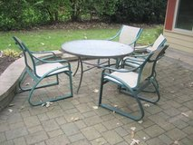 Patio Table and 4 Chairs in Aurora, Illinois