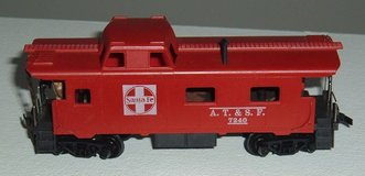 Tyco HO Scale AT&SF 7240 Caboose w Metal Handrail Crew Figure in Oswego, Illinois