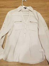 Express blouse in a XS size in Camp Pendleton, California
