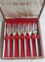 Community Small Silver Fork Set of 6 with Case Mid Century in Aurora, Illinois