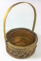 Wicker Woven Brown Basket Vintage Basket Country Wooden Cottage Decor in Oswego, Illinois